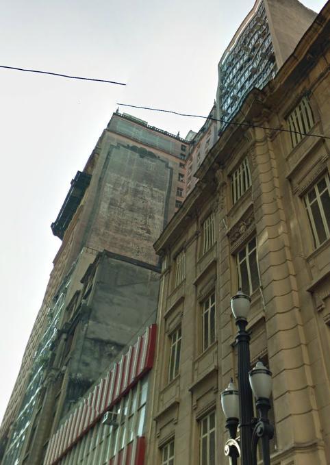 Painel do edifício Martinelli antes do restauro